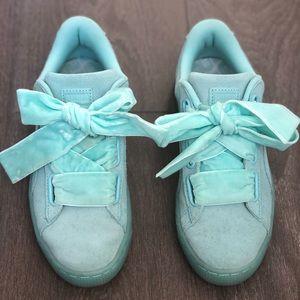 PUMA Suede basket Heart Reset Sneakers Aruba blue